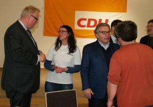 """Frage an den Finanzminister: Dr. Thomas Schäfer (links) musste sich die Forderung nach einem """"Bonus für Bäder"""" sogar auf Partei-veranstaltungen anhören."""